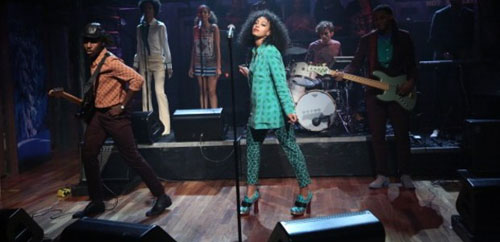 solange_Knowles_MIU_MIU_bow_Embellished_Snake_Boots