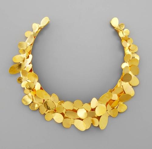 Best Gold Collars