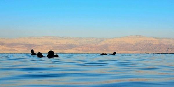 Dead-Sea-Mario-Troinani2