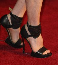 Lanvin E11 _05_Julianne Moore 10.25.10 London shoes.jpg