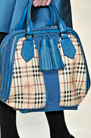 Burberry_rtw_fall_2011_4.png