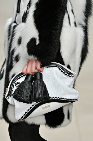 Burberry_rtw_fall_2011_9.png