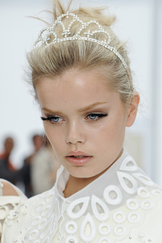 Louis_vuitton_beauty_ss2012.jpg