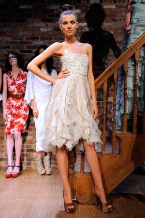 alice_olivia_nude_mini_dress.jpg