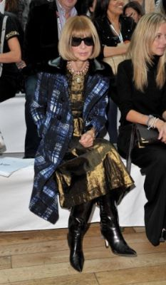 wintour_prada_coat1.jpg