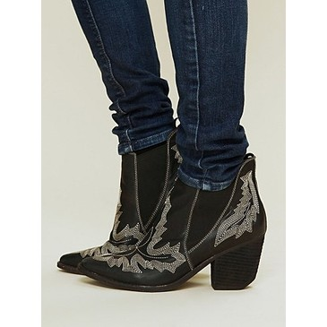 Jeffery_Campbell_Frontier_Stitch_Boot