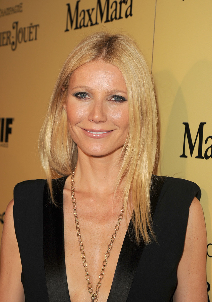 Gwyneth+Paltrow+Long+Hairstyles+Long+Center+m8-03MvLxGMx