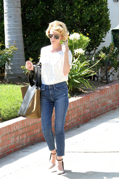 January_Jones_Vintage_Look