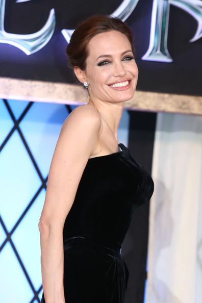 Angelina+Jolie+Maleficent+Premieres+Tokyo+brmsBHSAiOSl