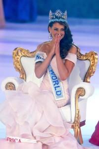 Miss-South-Africa-Vogue-19Dec14-PA_b