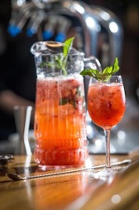 Healthy Cocktail Ideas Using Seasonal Fruits
