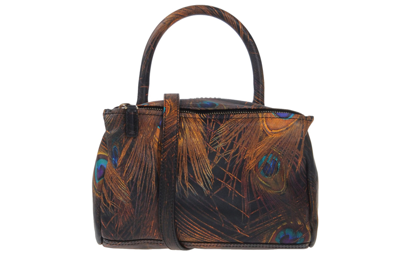 Choosing a Bag Based on the Art That Inspires You
