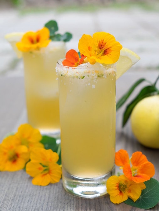 "10 ""Healthy"" Cocktails to Sip on This Spring"