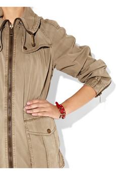 Burberry_Studded_leather_wrap_bracelet1.jpg
