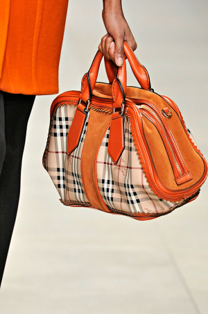 Burberry_rtw_fall_2011_1.png