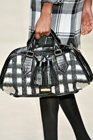 Burberry_rtw_fall_2011_10.png