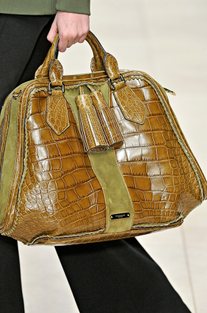 Burberry_rtw_fall_2011_5.png