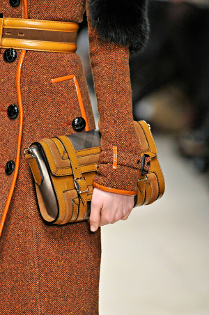 Burberry_rtw_fall_2011_6.png