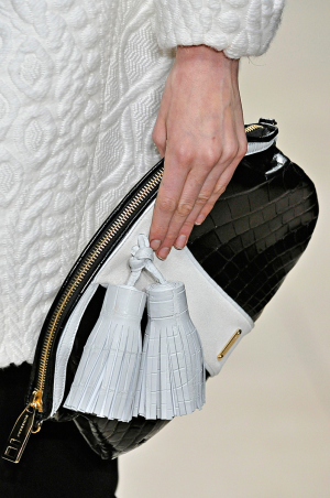 Burberry_rtw_fall_2011_8.png