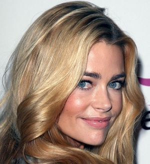 Denise_Richards_perfect_eyebrows.jpg