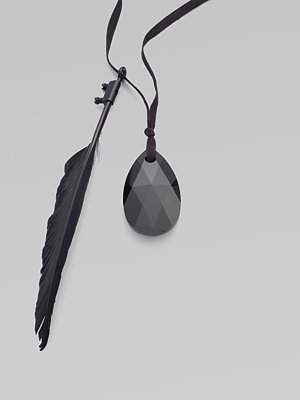 ann_demeulemeester_feather_stone_necklace.jpg