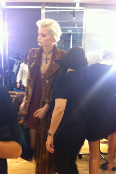 dolce-gabbana-catwalk-show-mfw-ss12-venue-hotel-metropole-abbey-lee-kershaw-model-backstage.jpg