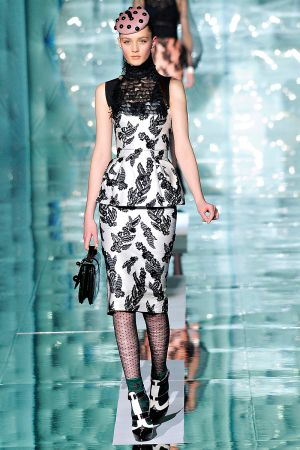 marc_jacobs_fall_rtw_2011_10.jpg