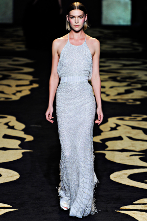 versace_rtw_2011_8.png